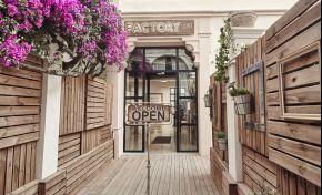 See for yourself! Factory 236: Antonio Corral Calero's exclusive & fascinating salon