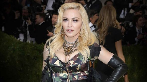 How-To: Madonna's Fearless, Full Waves by Andy Lecompte for Wella Professionals