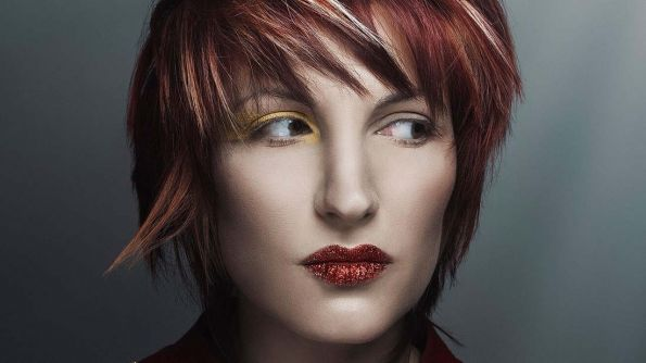 Hair: Amparo Fernandez @ La Pelu-Amparo Fernandez | Photo: Rebeca Sary | Styling: La Condesa | Makeup: Trini F. Silva