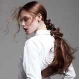 Hair: Hairdotcom / Makeup: Elizabeth Rita / Styling: Magdalena Jacobs  / Photo: Barry Jeffrey