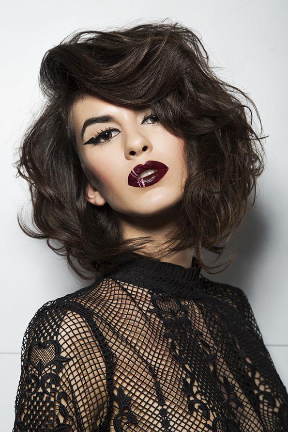 Hair: Ulises Mesa @ Ulises Peluqueros Make-up: Manuela Giménez @ Salón Blue by Raquel Saiz Styling: Ulises Peluqueros Photos: Esteban Roca