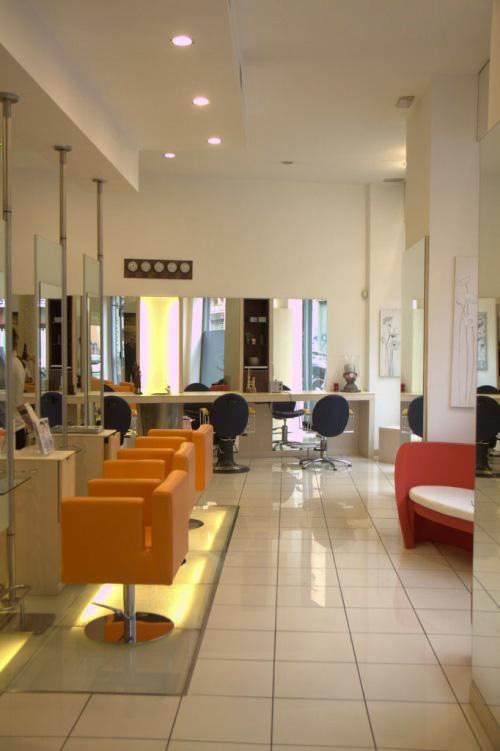 Parrucchieri competere con cinesi e low cost for Arredamento parrucchieri low cost