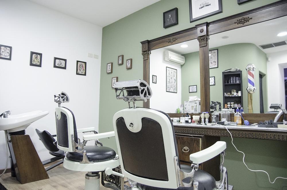 Apre a catania il barbiere modhair for Arredamento barbiere