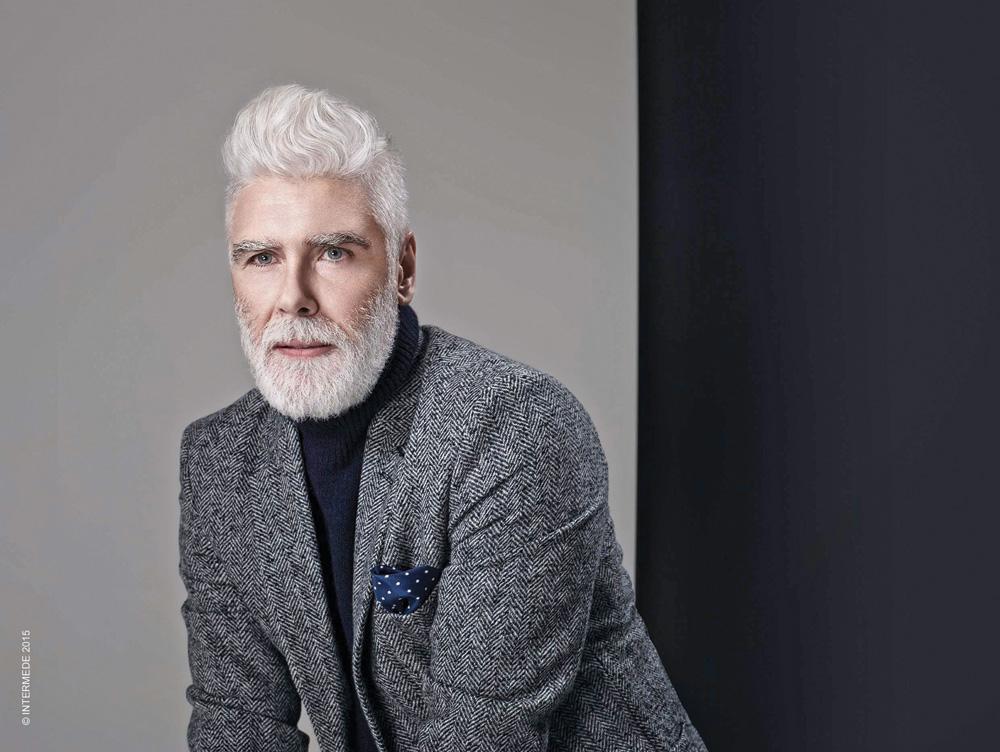 Capelli grigi per uomo