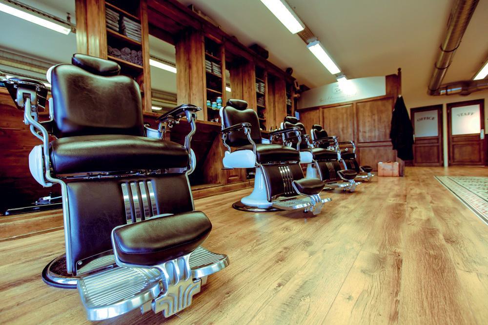 Arredamento parrucchieri i consigli per rinnovare il for Salone arredamento