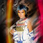 Hair: Bert de Zeeuw & The People Behind The Mirror Creative Team | Styling: Annet Veerbeek | Makeup: Lydia Thann | Photos: Ivo de Kok