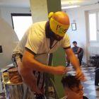 Parrucchiere-bendato-2
